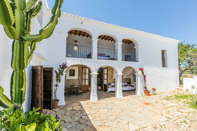Late summer ibiza yoga retreat stillpoint yoga london for Ibiza country villas