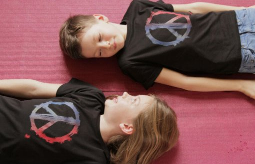 Kids T-shirt Peace Black